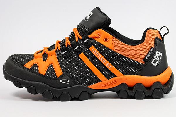 Shoe detail 1